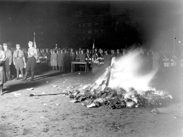 Nazis quemando libros (Berlín, 1933)